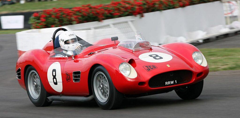 Το αυτοκινητο Ferrari Dino DS που κατασχεθηκε είναι σαν αυτο της φωτογραφίας.